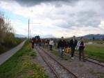 Junaonnettomuuden vuoksi loppumatka taittui kävellen. (Kuva: Katri Nuuja)